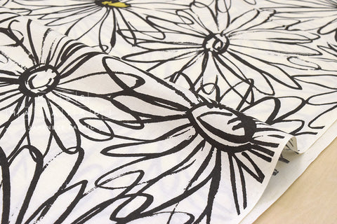 Yuwa Suzuko Koseki Scribble Marguerite - black, white - fat quarter