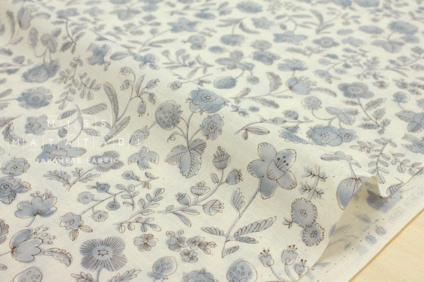 Natural flowers - grey, cream