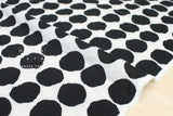 Textured Enshuku Big Dots lawn - black, white