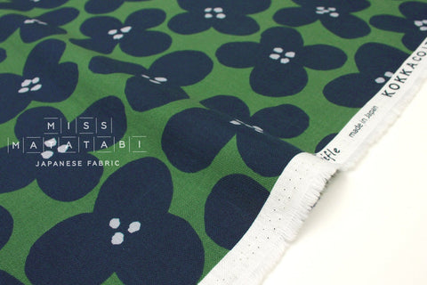 Japanese Fabric Kokka Trefle Winter Natural - big floral - green, blue - 50cm