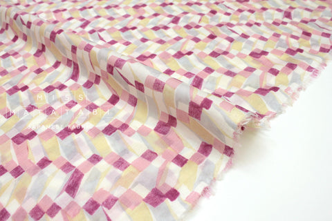 Japanese Fabric Magic Watercolor - cotton lawn - pink - 50cm