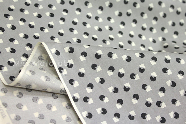 Suzuko Koseki circle and square - grey - fat quarter
