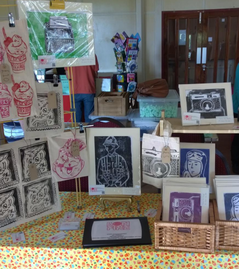 Throwback |  The stall of bags + prints