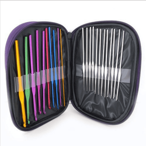 22 PCS Crochet  Hooks Set With A Case