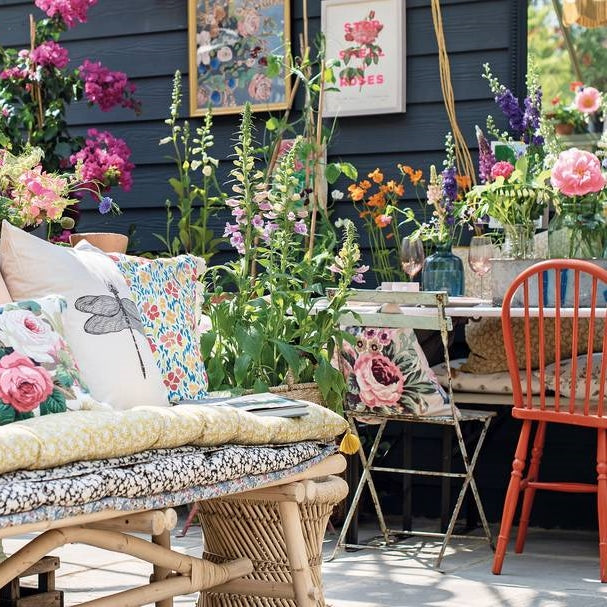 She Shed Decor - Shed Interior Ideas to Create A Cosy Garden Hideaway