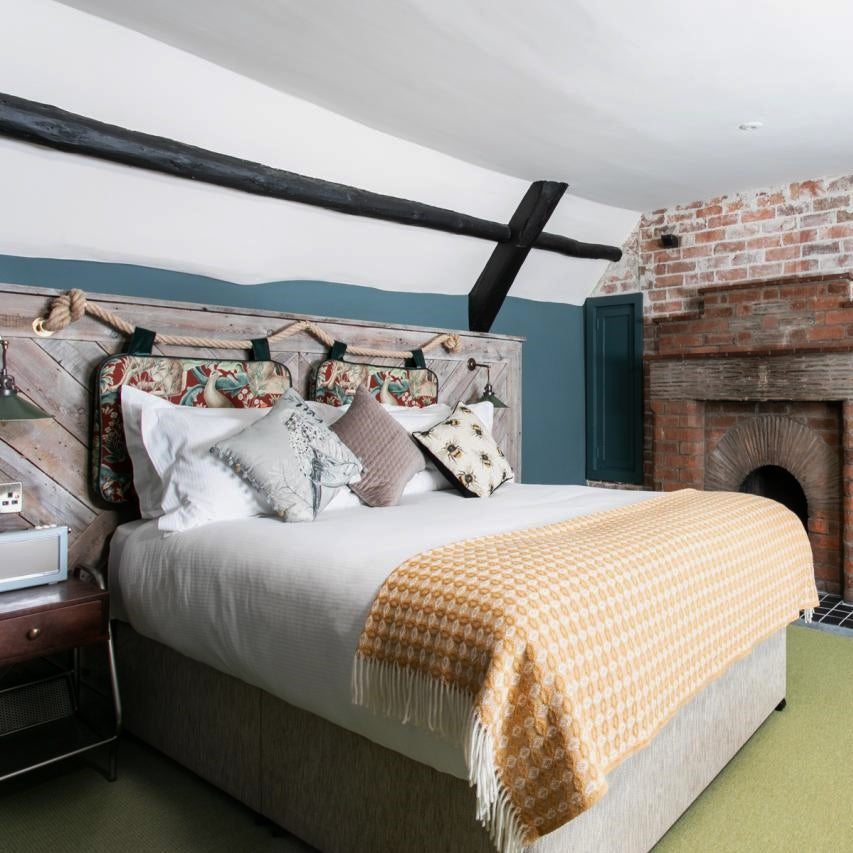 Blanket style: The Castle Inn, Lulworth