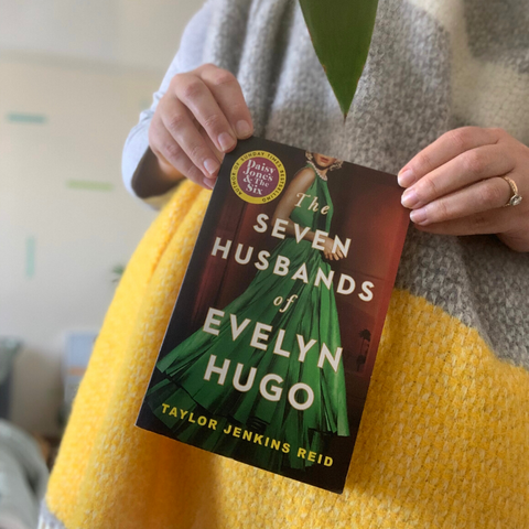 Books and Blankets: 3 Books To Cosy Up With - The Seven Husbands of Evelyn Hugo