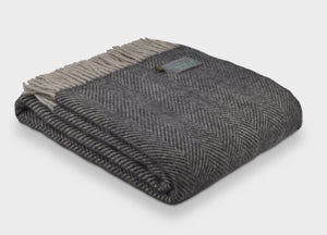 Charcoal and Silver Grey Herringbone Throw - The British Blanket Company
