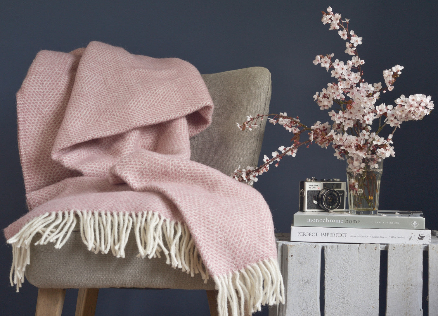 Charmant Dusky Pink Beehive Throw   Buy At The British Blanket Company