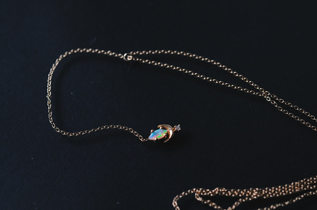 Lvna Necklace