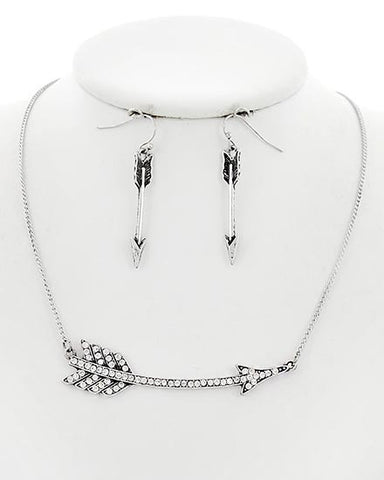 Arrow Necklace Set