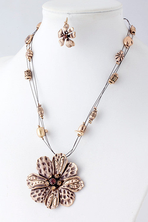 Metal Flower Necklace Set