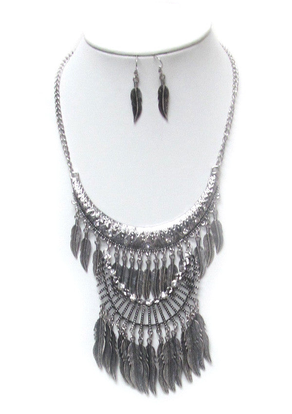 Metal Feather Layer Statement Necklace Set