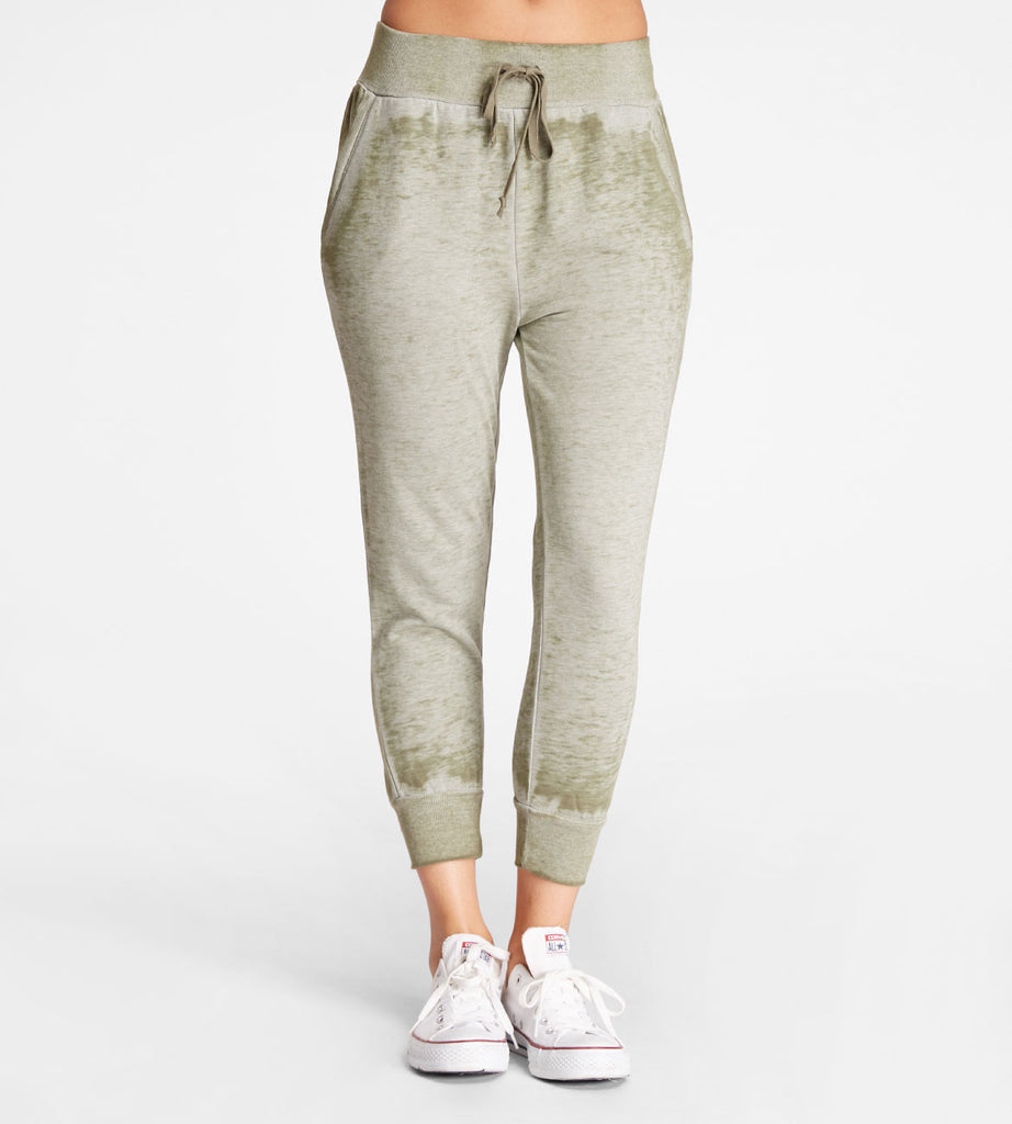 Offshore Crop Jogger Olive