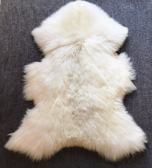 Very Big Bright Ivory Lambskin Rug. 120 cm.