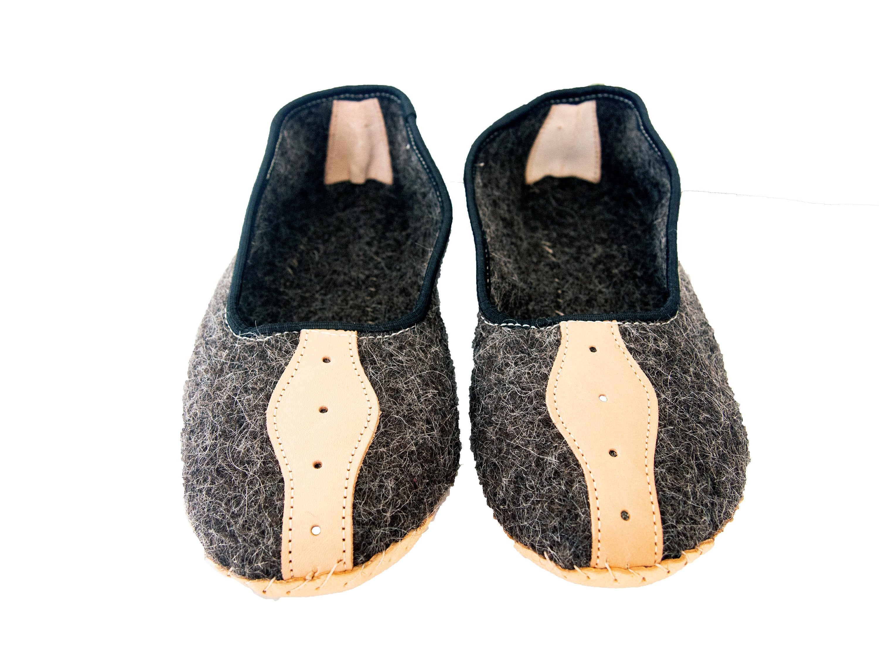 Mens Felt and Real Leather Slippers.