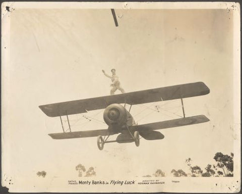 MONTY BANKS - FLYING LUCK (Létající štěstí). - 1927. American silent comedy film, Original vintage photo. /1/