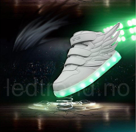 Dragonfly light hvite LED barnesko - LEDtrend.no