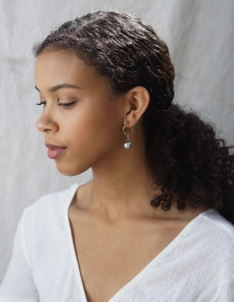 Grey Dew Earrings