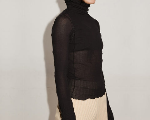Black Omato Turtleneck