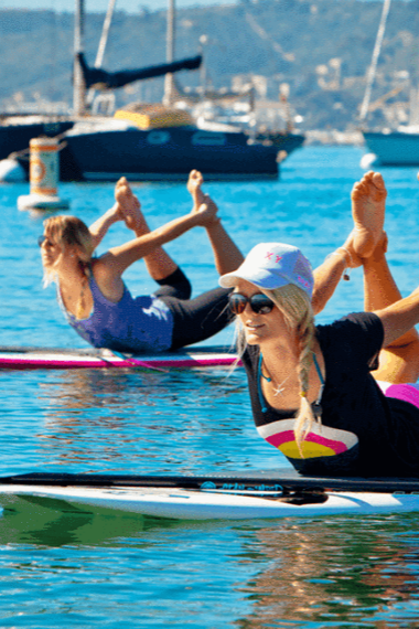 What is Stand Up Paddleboard Yoga? A beginners' guide.