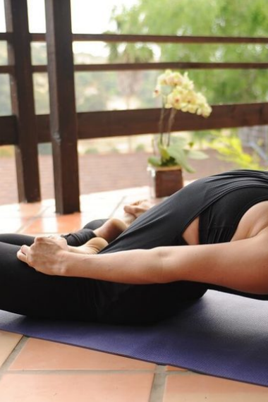 An Easy Guide to Matsyasana, or Fish Pose
