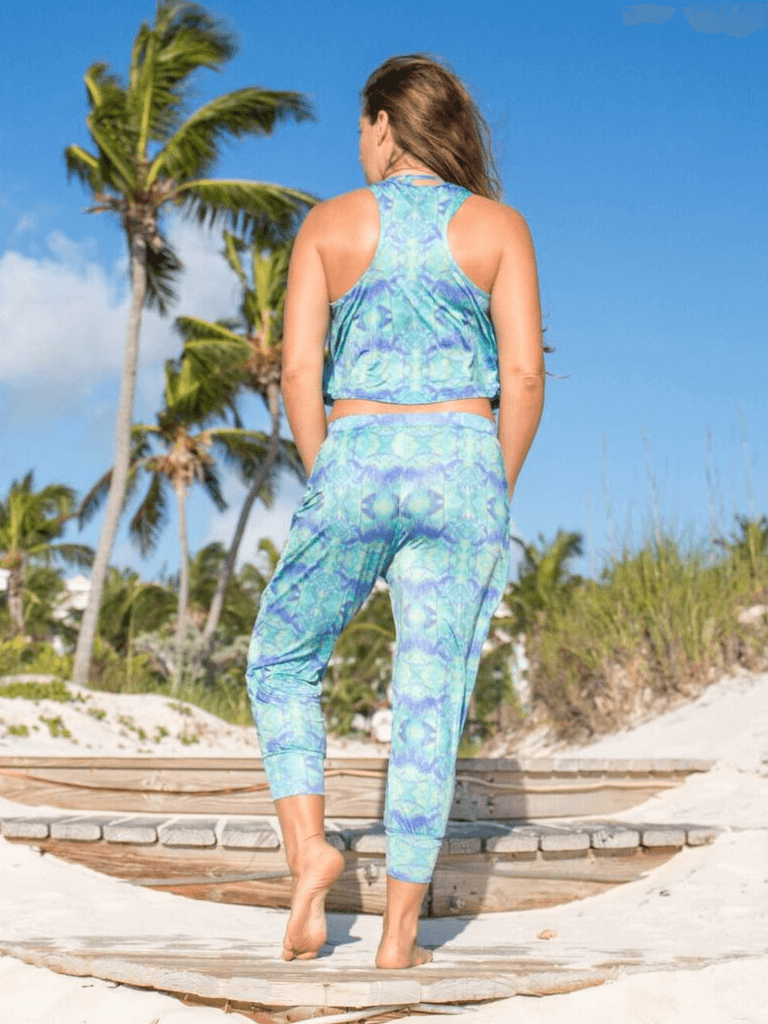 Gypsea Capri Yoga Leggings - Lush Print