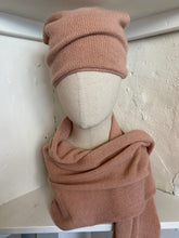 Load image into Gallery viewer, Cashmere Scarf & Slouch Hat Set in Nude Pink