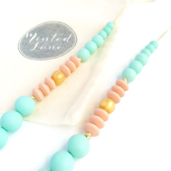 Lizzy Silicone Teething Necklace