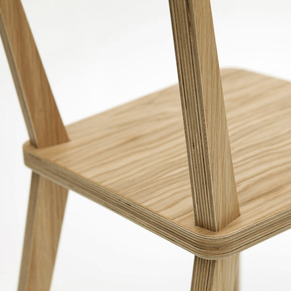 Lean Chair