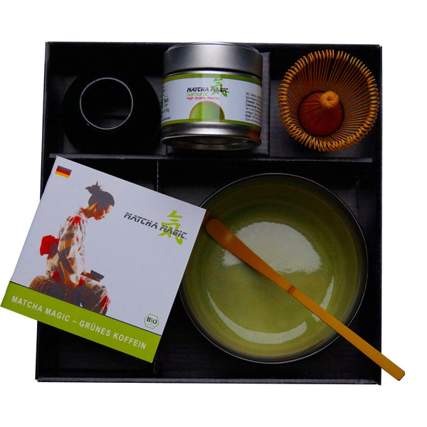 Acquista il set Matcha su Matcha Magic. Il Matcha Set Samurai contiene tè Matcha e accessori Matcha.
