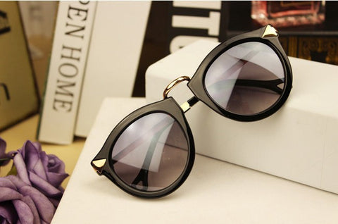 Retro Round Sunglasses for Men and Women - J20Style - 2