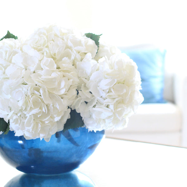 white mophead hydrangea - bunch of 6 stems