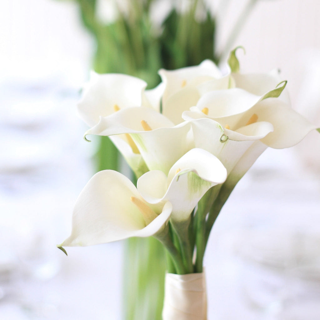 luxury artificial fake silk flowers white calla lily lifelike realistic faux flowers buy online from Amaranthine Blooms Hong Kong UK