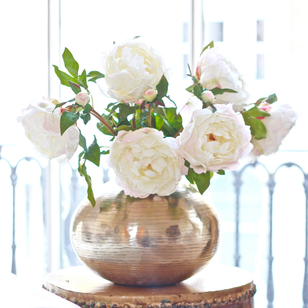 luxury artificial fake silk flowers white classic peony lifelike realistic faux flowers buy online from Amaranthine Blooms Hong Kong UK