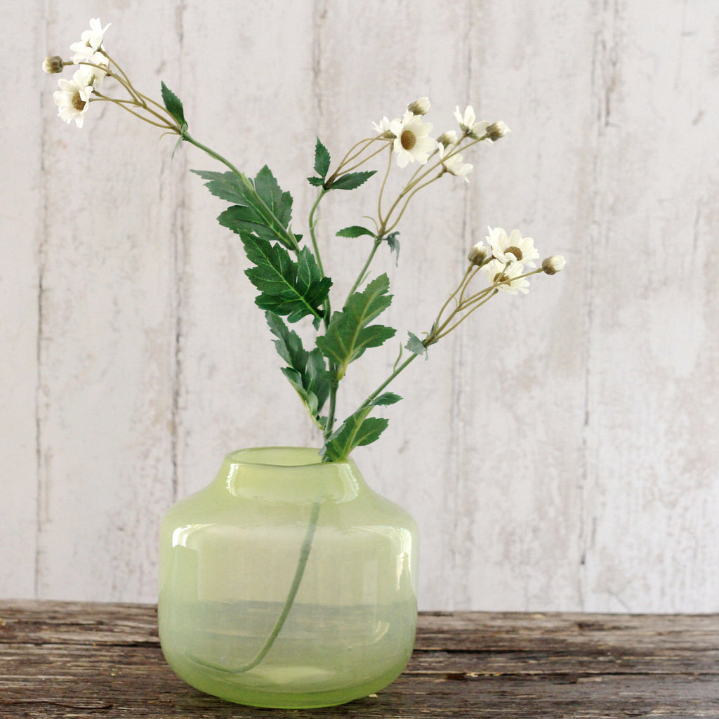 artificial flowers luxury faux silk white daisy lifelike realistic faux flowers buy online from Amaranthine Blooms UK