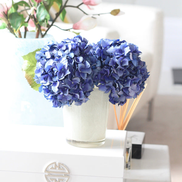 dried hydrangea and vase arrangement