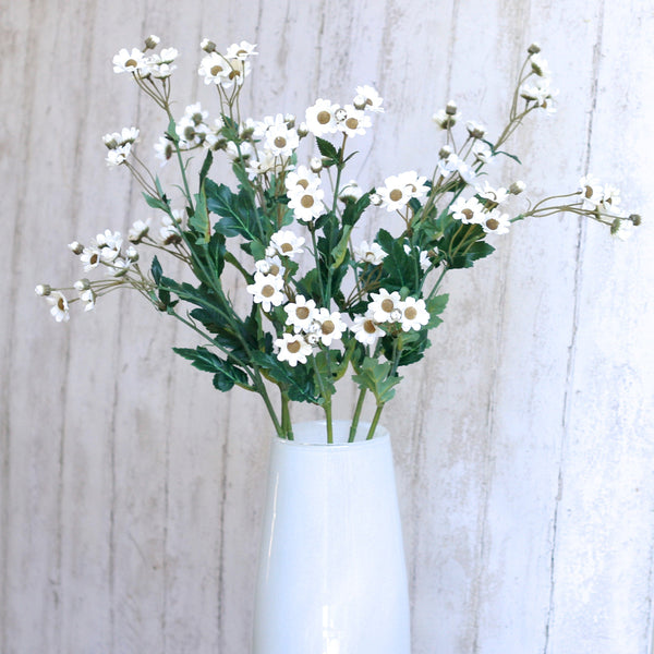 luxury artificial fake silk flowers white daisy spray lifelike realistic faux flowers buy online from Amaranthine Blooms Hong Kong UK