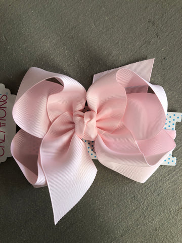 Powder Pink Bow on CLIP