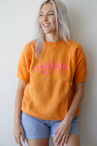 Vintage Sweatshirt Orange with good vibes embroidery