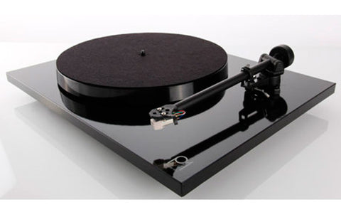 Rega Research - P1 (Planar 1)