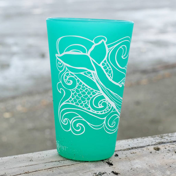Humpback Whale Pint set in Turquoise