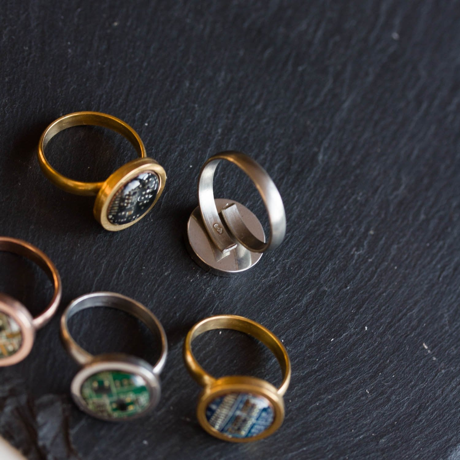 Geeky ring with circuit board piece, 12 mm