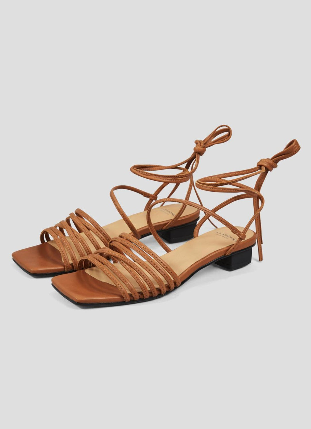 Anni Sandal - Saddle