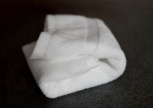 Classic Hotel Towels, 4 Piece Hand Towel Set