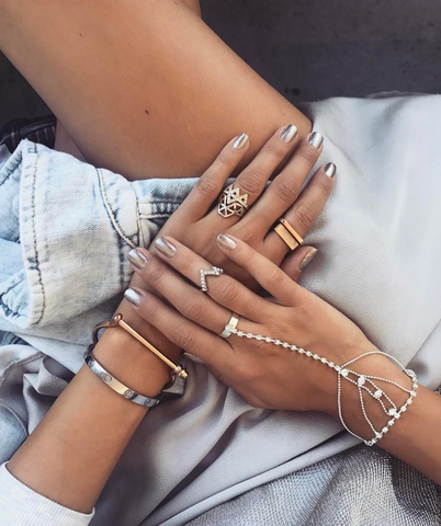 00d09e65761 The Signature rose gold screw cuff worn this time alongside some dainty  body jewellery and stacked up rings