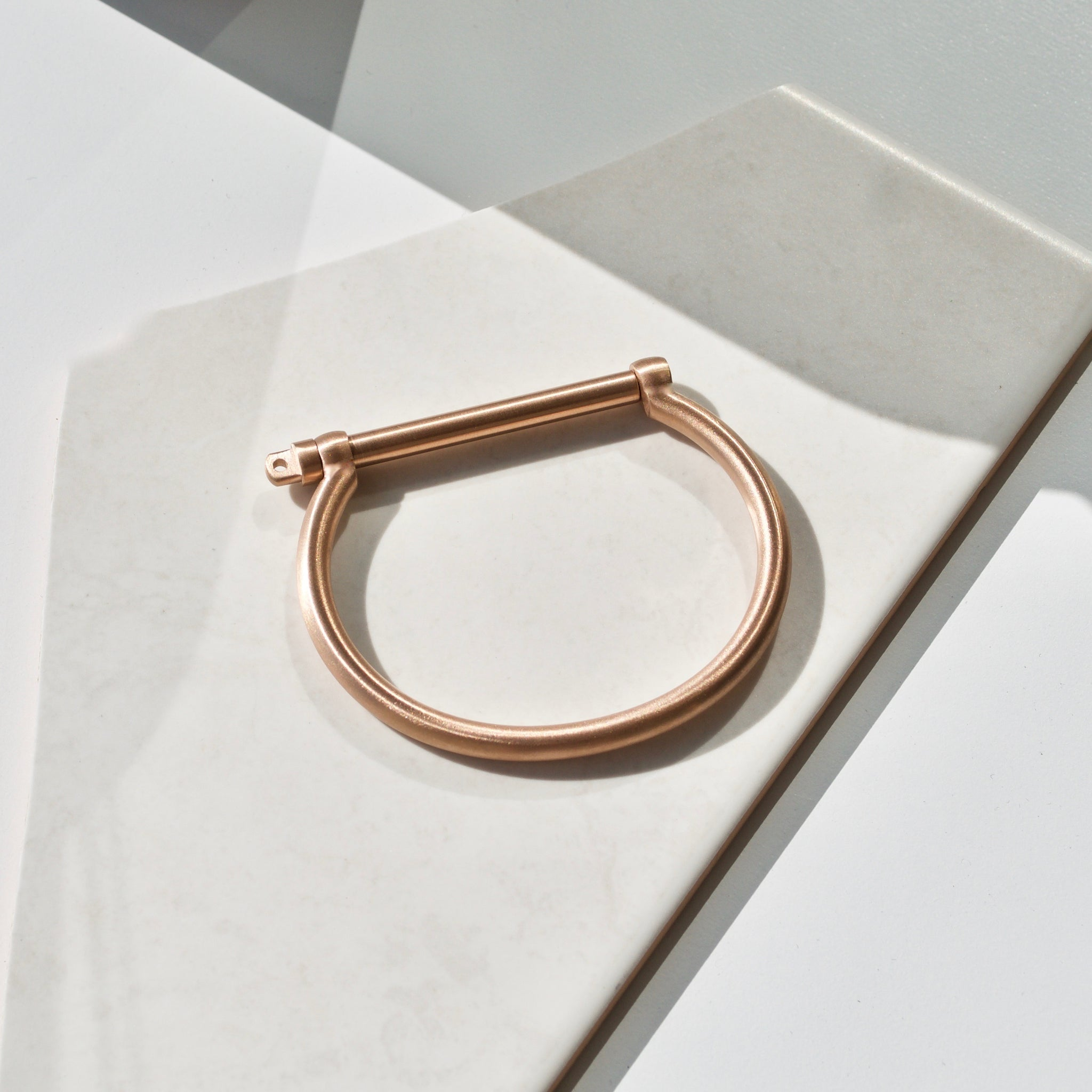 ROSE GOLD PETITE SCREW CUFF