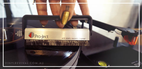 FREE BRUSH-IT WITH ANY PROJECT TURNTABLE