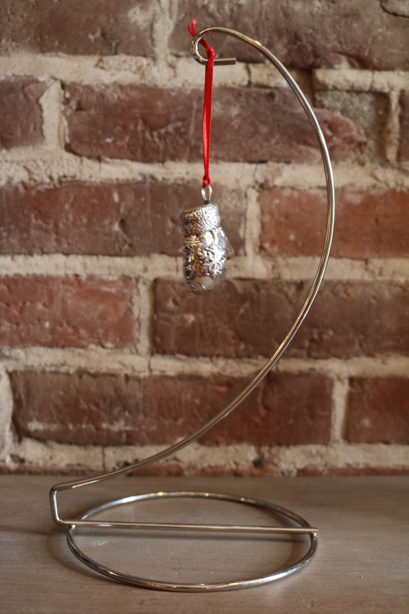 Single Wire Stand Display - Chrome - Cazenovia Abroad