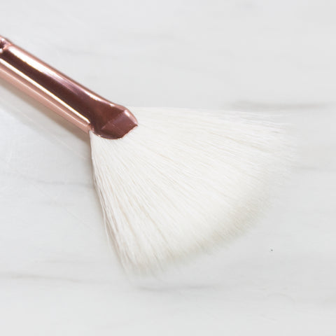 B7 Small Concealer/Shading Brush